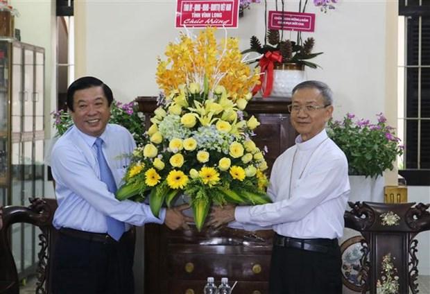 Felicitan por Navidad a comunidades catolicas en provincia vietnamita de Vinh Long hinh anh 1