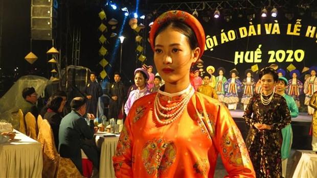 Concluyen Festivales de Ao Dai y de Gastronomia de Ciudad Imperial de Hue hinh anh 1