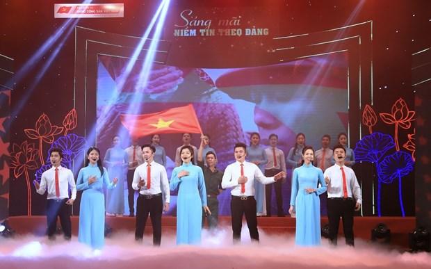 Programa artistico elogia el amor hacia la Patria y la confianza en el Partido hinh anh 3