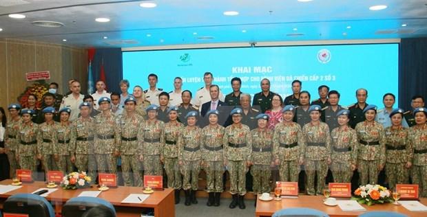Tercer hospital de campana de Vietnam, en ultimo preparativo para misiones de paz hinh anh 1