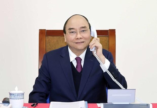 Primer ministro de Vietnam sostiene conversacion telefonica con presidente estadounidense Donald Trump hinh anh 1