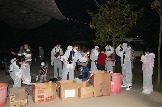 Retornan mas de 340 ciudadanos vietnamitas desde de Australia y Nueva Zelanda hinh anh 1