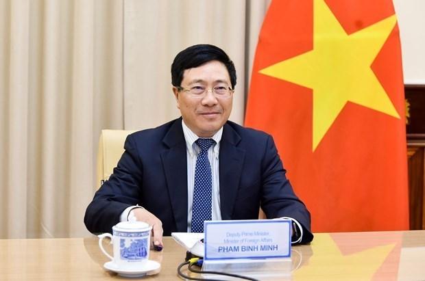 Vicepremier vietnamita destaca resultados de integracion internacional en politica, seguridad y defensa hinh anh 1