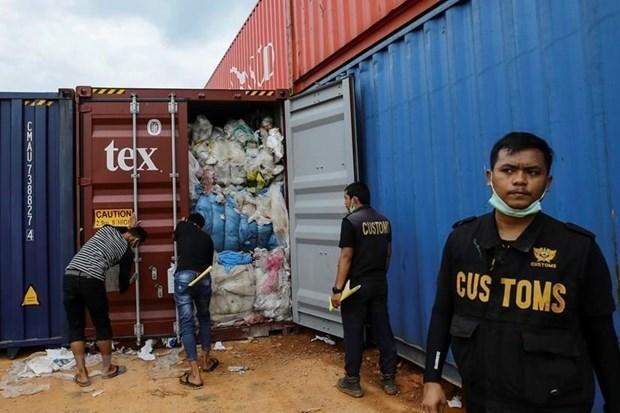 Indonesia devolvera 79 contenedores de desechos peligrosos a sus paises de origen hinh anh 1