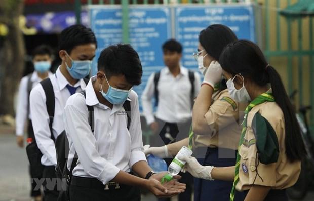 Camboya reabre centros comerciales y tiendas tras un mes hinh anh 1