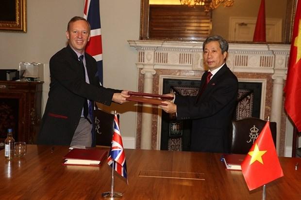 TLC abre futuro brillante para relaciones Reino Unido-Vietnam hinh anh 2