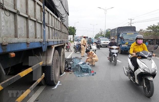 Hanoi establece meta de reducir el 10 por ciento en accidentes viales en 2021 hinh anh 1