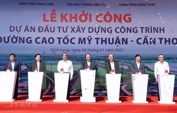 Primer ministro de Vietnam inaugura proyectos de transito clave del Sur hinh anh 1