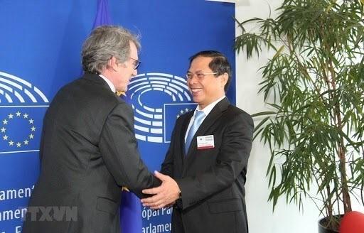 Vietnam, uno de los paises pioneros en conectividad economica internacional hinh anh 2