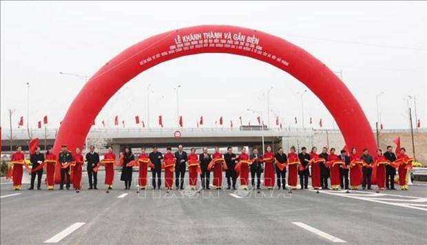Inauguran intercambiador en la interseccion de la circunvalacion 3 y autopista Hanoi-Hai Phong hinh anh 2
