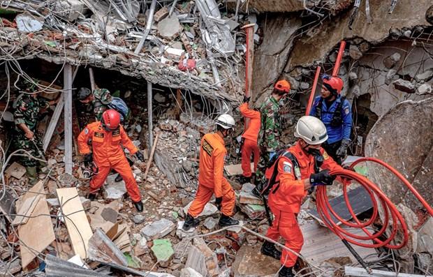 Indonesia reporta nueva replica de terremoto hinh anh 1