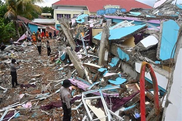 Intensas lluvias dificultan labores de rescate tras terremoto en Indonesia hinh anh 1