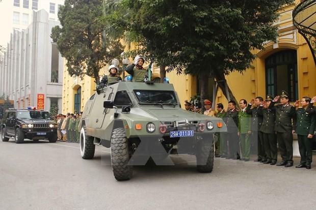 Policia de Hanoi despliega medidas para garantizar seguridad del XIII Congreso Nacional del Partido hinh anh 2