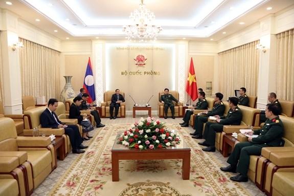 Mantendra Ministerio de Defensa de Vietnam apoyo a lucha antiepidemica de Laos hinh anh 2
