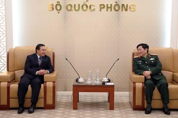 Mantendra Ministerio de Defensa de Vietnam apoyo a lucha antiepidemica de Laos hinh anh 1