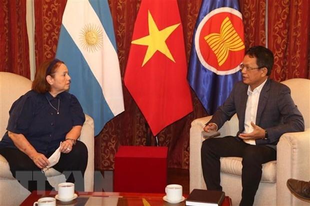 Exitos de Vietnam se deben al liderazgo del Partido Comunista, evalua experta argentina hinh anh 1