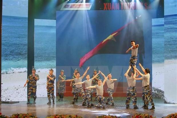 Honran a soldados con mision de proteger soberania maritima de Vietnam hinh anh 1