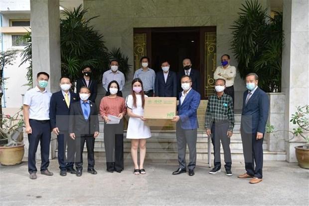 Embajada vietnamita en Tailandia ayuda a connacionales a combatir el COVID-19 hinh anh 1