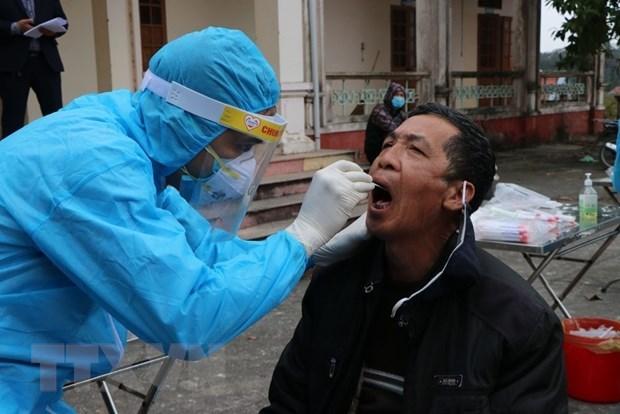 Donan a la provincia de Quang Ninh 10 mil kits de pruebas del coronavirus hinh anh 1