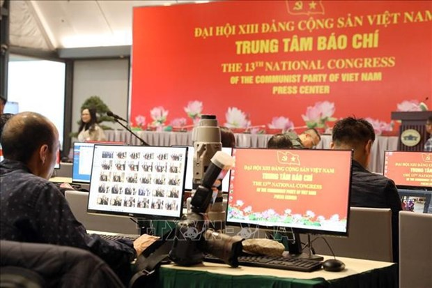 Facilitan cobertura en linea sobre Congreso partidista de Vietnam para reporteros extranjeros hinh anh 1