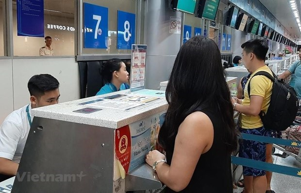 Instan a las aerolineas a cambiar o reembolsar boletos para sus clientes por los impactos del COVID-19 hinh anh 1