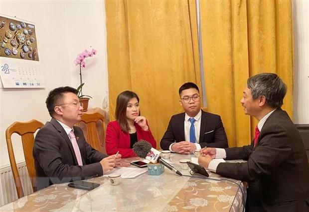 Vietnamitas en Republica Checa por coadyuvar al progreso de la Patria hinh anh 1