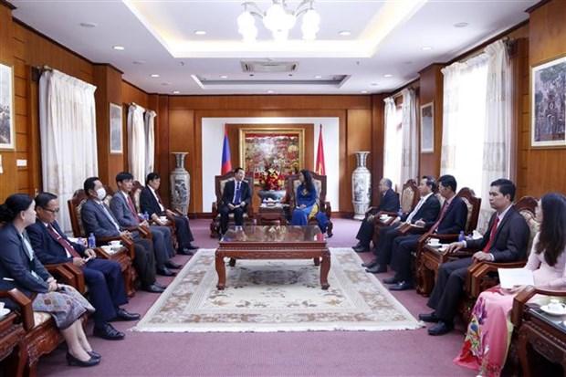 Laos felicita al Partido Comunista de Vietnam por 91 aniversario de su fundacion hinh anh 1