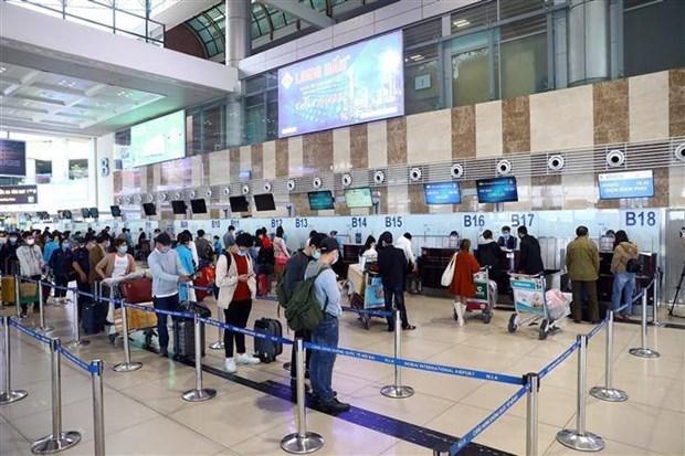 Personal de aeropuertos principales en Vietnam da negativo en pruebas de SARS-CoV-2 hinh anh 1