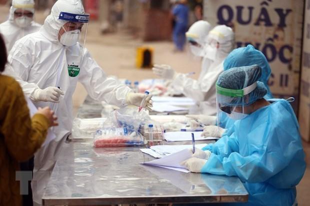Supera Vietnam los dos mil casos de COVID-19 hinh anh 1