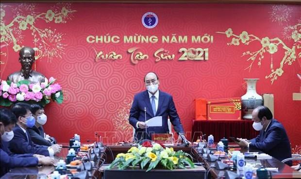 Enaltecen esfuerzos del personal medico de Vietnam en lucha antipandemica hinh anh 2