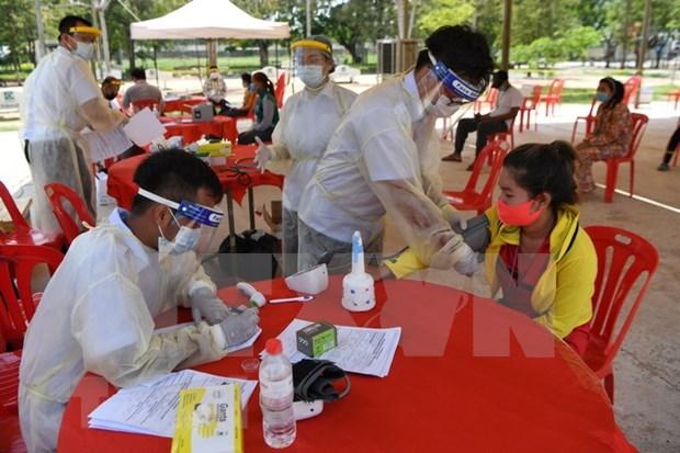 Camboya apoya a localidades con trabajadores en cuarentena centralizada hinh anh 1