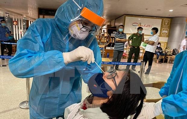 Realizaran pruebas aleatorias de COVID-19 en aeropuerto Tan Son Nhat hinh anh 1
