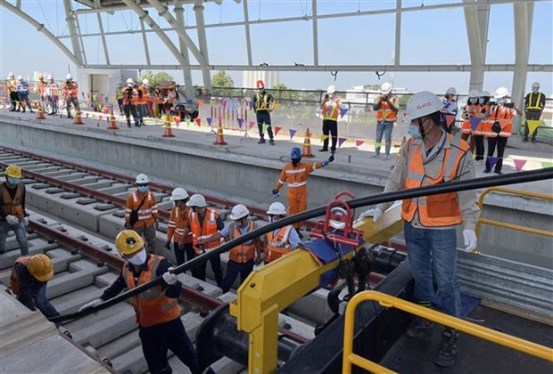 Instalan sistema de electrificacion para linea de metro Ben Thanh-Suoi Tien hinh anh 1