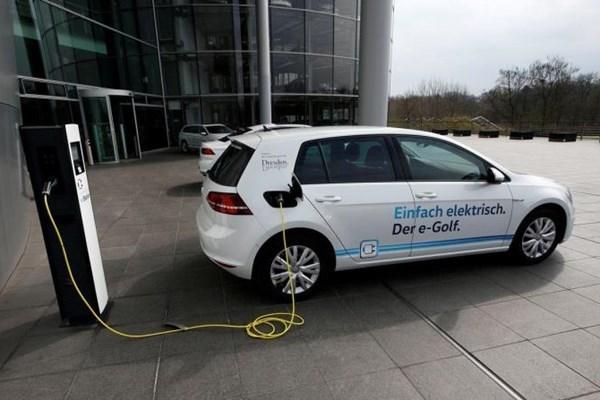 Indonesia acelera desarrollo de ecosistemas de vehiculos electricos hinh anh 1