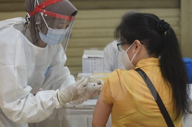 Aceleran en Malasia plan nacional de vacunacion contra COVID-19 hinh anh 1