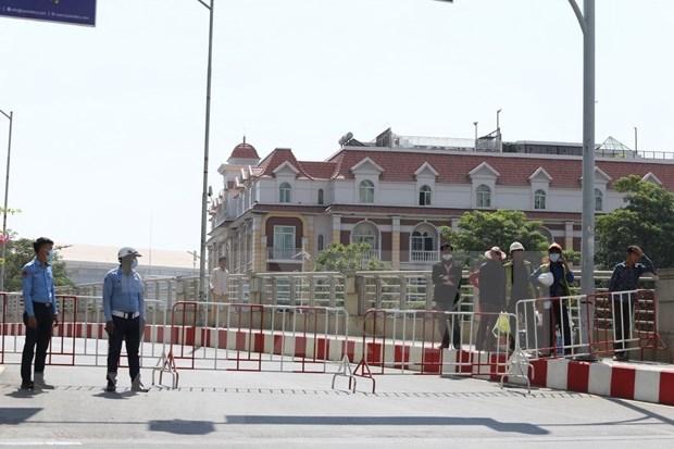 Cierran escuelas en Phnom Penh por brote comunitario del COVID-19 hinh anh 1