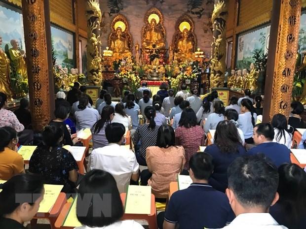 Vietnamitas en Laos rezan por la paz y prosperidad hinh anh 1