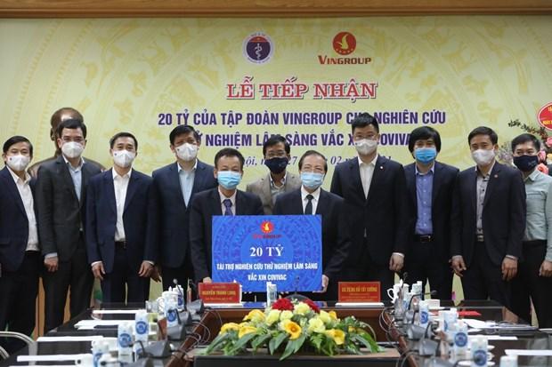 Ofrecen asistencia financiera a ensayos clinicos de vacuna vietnamita contra COVID-19 hinh anh 1