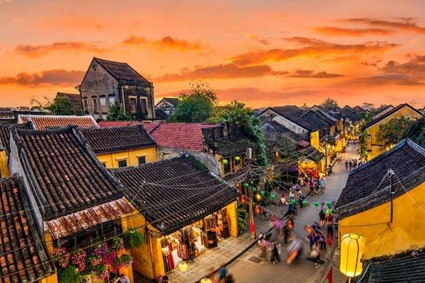 Vietnam recibe casi 11 mil visitantes extranjeros en febrero hinh anh 1