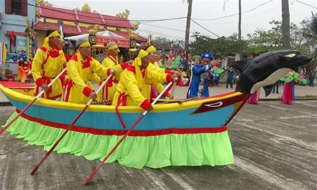 Fascinante festival de culto a las ballenas en Canh Duong hinh anh 1