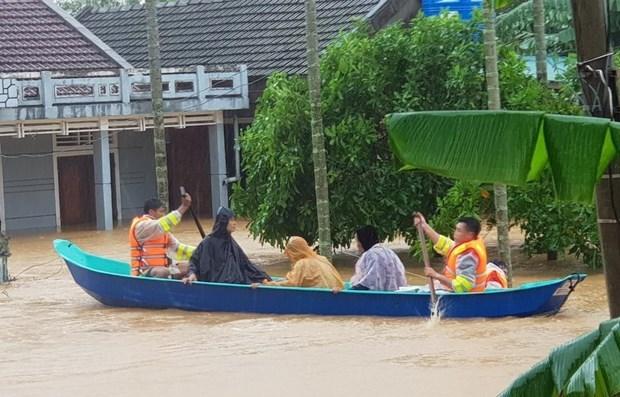 Aumenta apoyo estadounidense a victimas de inundaciones en Vietnam hinh anh 1