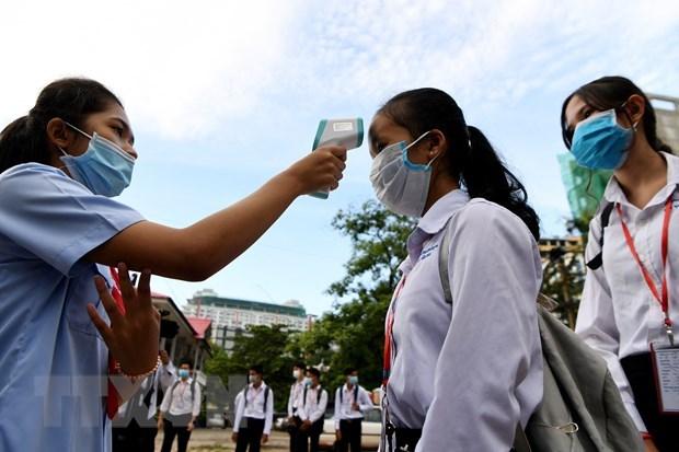 Diversas localidades camboyanas enfrentan riesgos de rebrote epidemico hinh anh 1