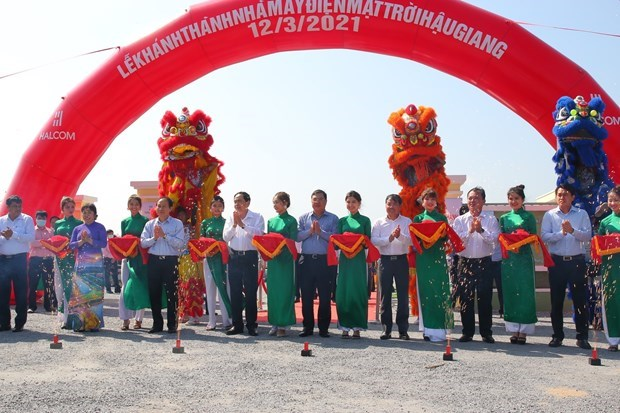 Inauguran primera planta de energia solar en region del Delta de Mekong hinh anh 2