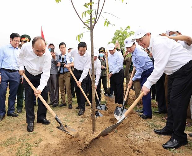Exigen a provincia de Nghe An impulsar avance economico hinh anh 2