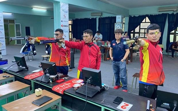 Atletas vietnamitas de tiro se miden en Campeonato Mundial en la India hinh anh 1