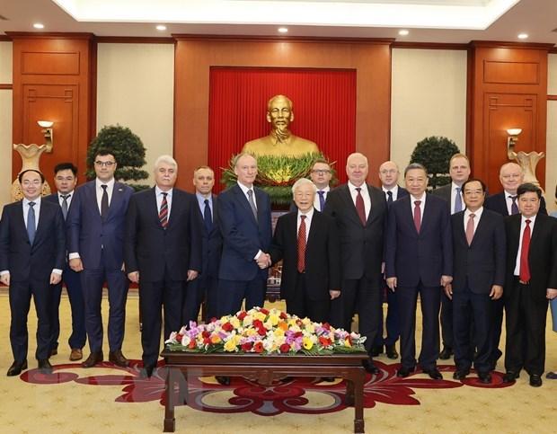 Maximo dirigente vietnamita pide fortalecer cooperacion en defensa con Rusia hinh anh 2