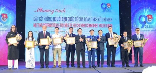 Vietnam otorga distincion a extranjeros por su contribucion al desarrollo de la juventud hinh anh 1