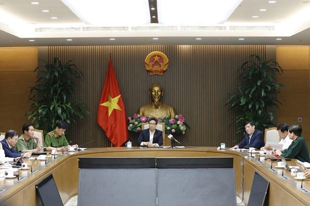 """Discuten medidas destinadas a aplicacion de """"pasaporte de vacunas"""" en Vietnam hinh anh 1"""