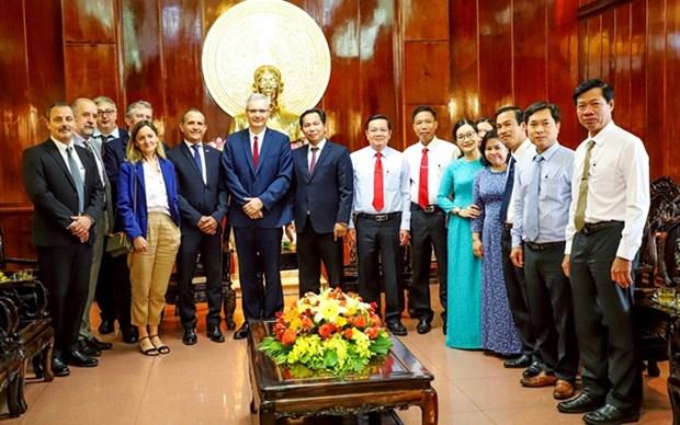 Vietnam y Francia impulsan cooperacion en diversos sectores hinh anh 1