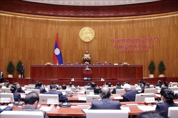 Felicita Vietnam a recien elegidos dirigentes de Laos hinh anh 1